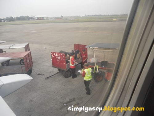 loading luggages