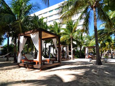 Cancun riviera maya 2016 grand oasis palm all inclusive for Cama balinesa