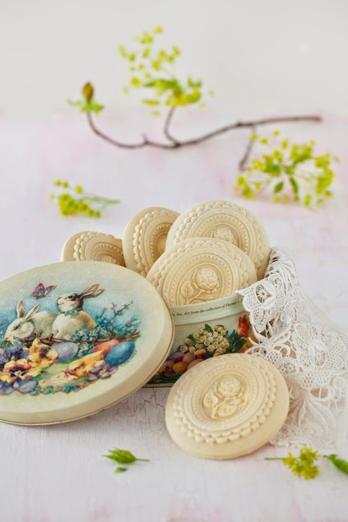 Springerle cookies for easter at cooking melangery i bake springerle cookies twice an year in winter for christmas and in spring for easter springerle are traditional german christmas biscuits which were negle Image collections