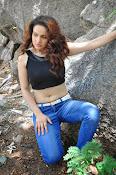 Reena Bhatia glamorous photos-thumbnail-7