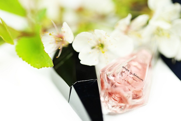 Givenchy Ange ou Demon Le Parfum i butelka Accord Illicite
