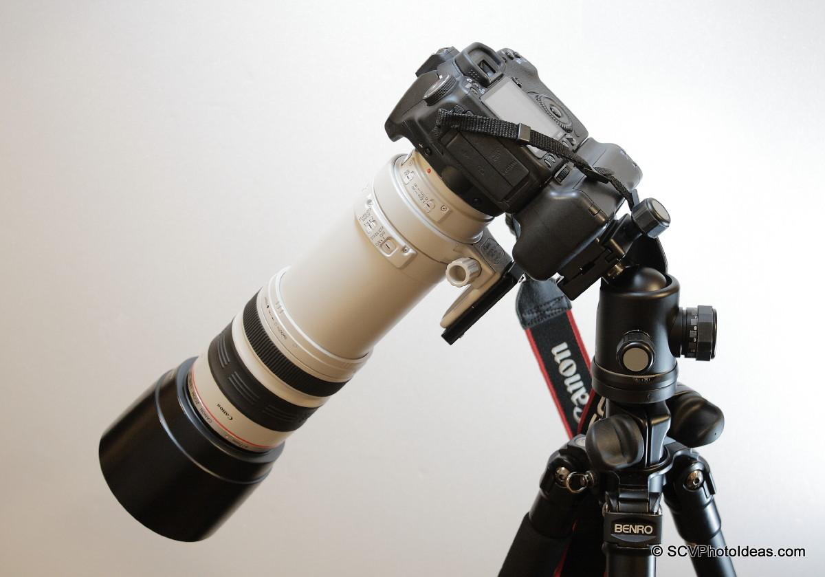 Canon EOS 50D+BG-E2N+EF 100-400 L IS USM on camera base 45 deg