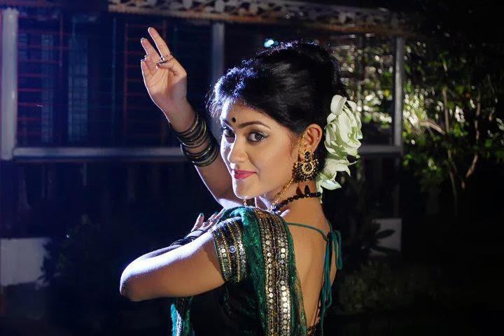 Bangladeshi+Model+&+Actress+Shaina+Amin033