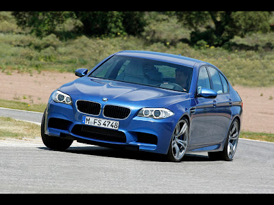 Mobil BMW M5