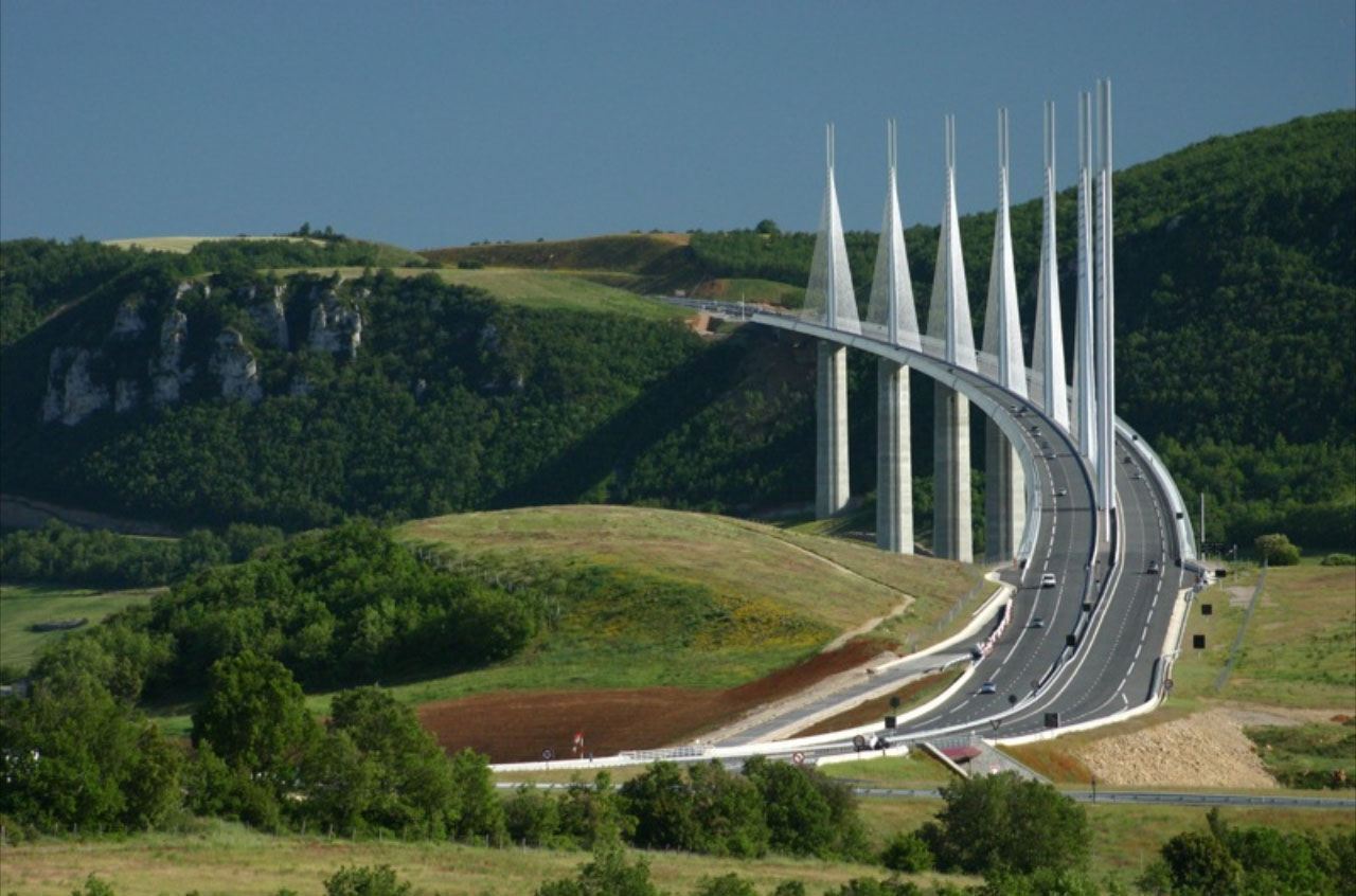 millau bridge The cheapest way to get from montpellier to millau viaduct costs only 5€, and the quickest way takes just 1¼ hours find the travel option that best suits you.