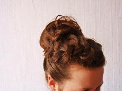 fryzura ślubna 59