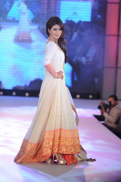 Priyanka Chopra manish malhotra