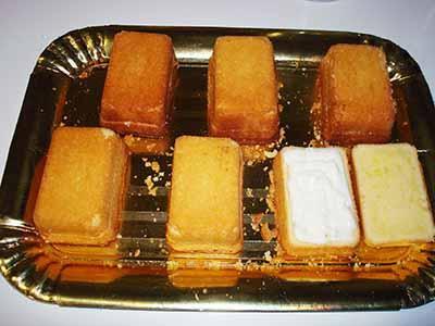 Kinder Paradiso: farcire le tortine con la crema al latte