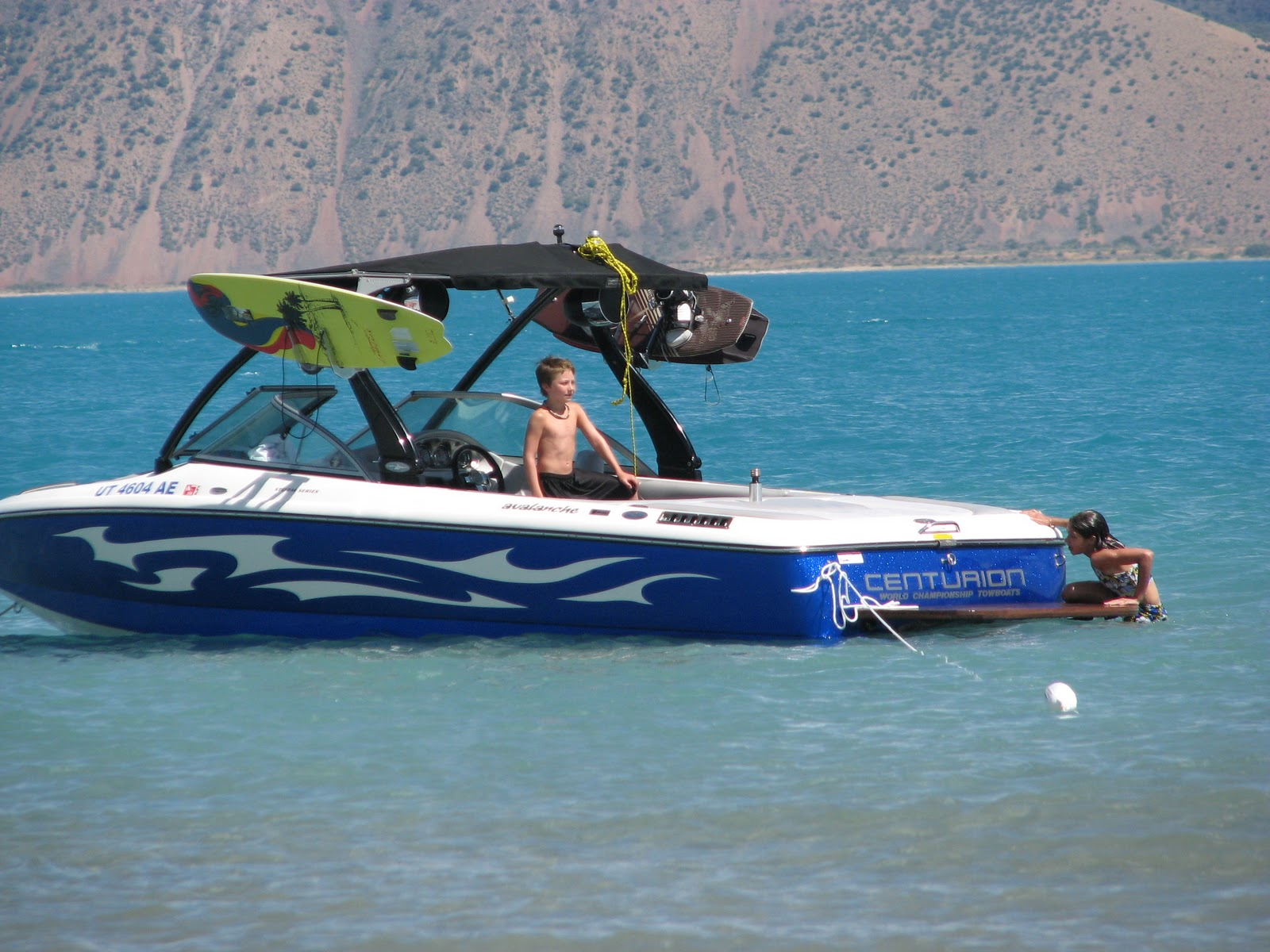 Utah rent a boat wakeboard boats ski boats fishing boats for Lake fishing boats