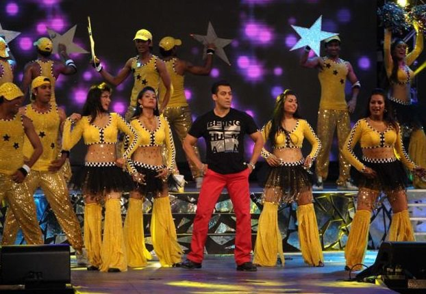 Salman Khan Red Pants IPL 5 opening ceremony - Salman Khan IPL 5 Opening Ceremony