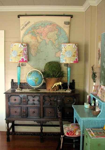 vintage wall maps interior decor with vintage maps