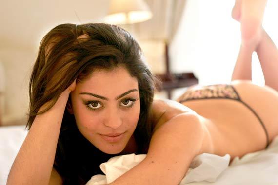 Carol Castro Pousou Pelada Para A Revista Playboy Ficam Aqui Algumas