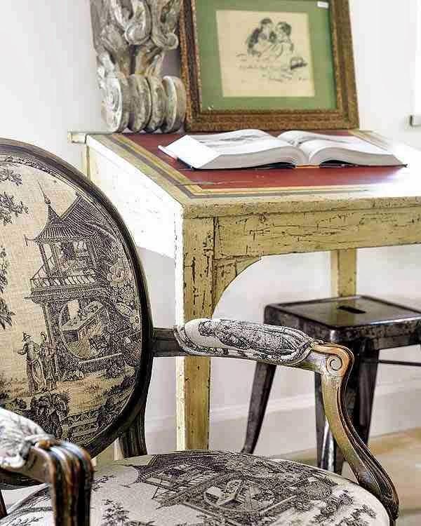 Krzesło z japońskim motywem, orientalne motywy, metalowy taboret
