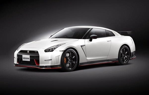 New 2015 Nissan GT-R Nismo Review