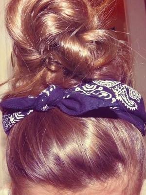 peinados recogidos pañuelos look