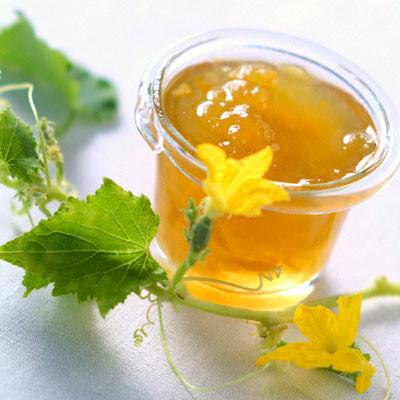 Mặt nạ nha đam mật ong chính là bí quyết thần kì để có làn vừa trắng mịn, vừa sạch mụn.