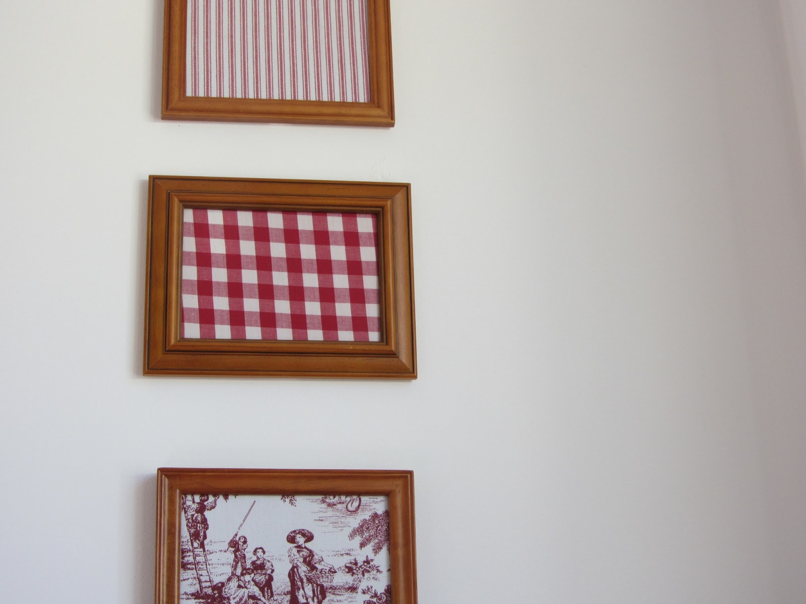 thom haus handmade: Cheap Decorating with Fabric in Old Photo Frames