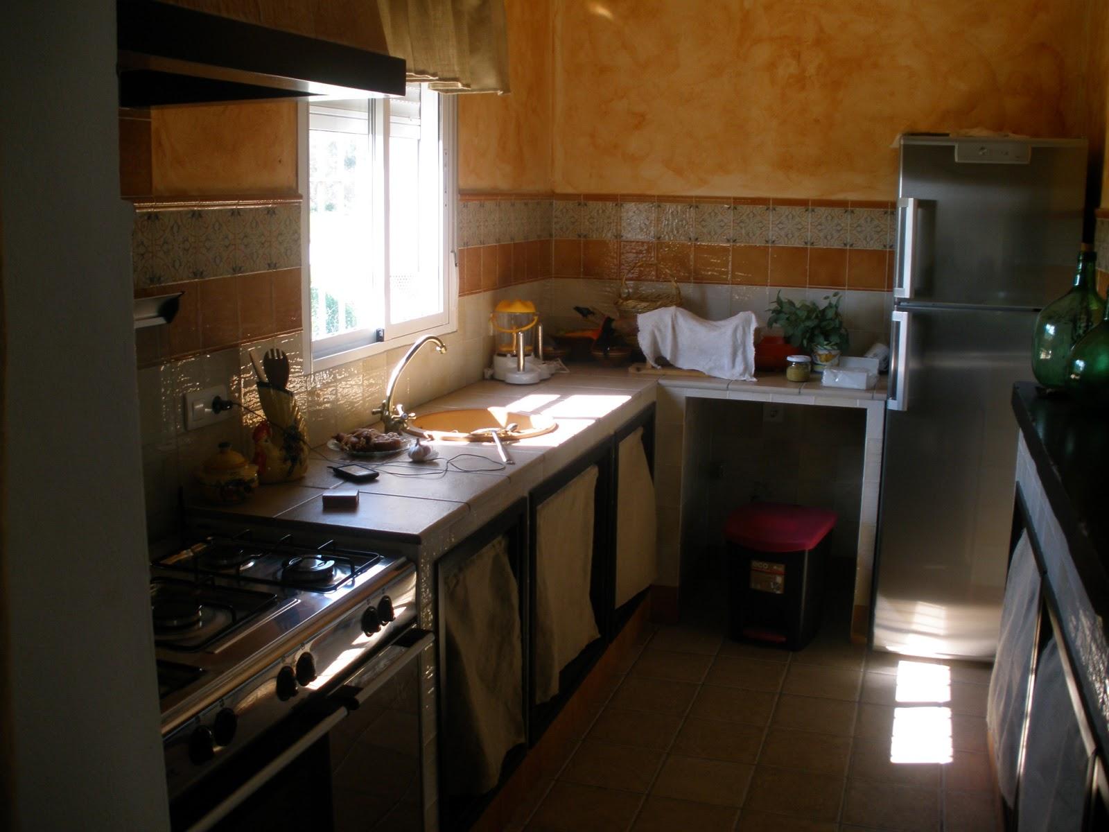 Construcciones rudi cocina rustica de casa de campo for Cocinas de mamposteria