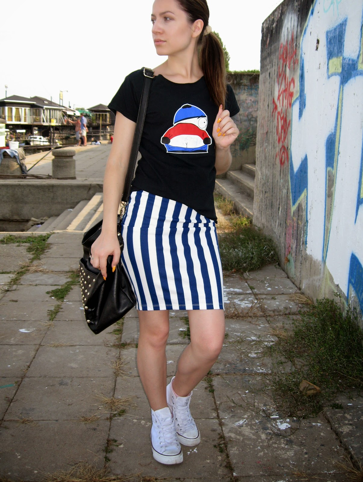 cartman print t shirt tee top, blue and white striped pencil skirt, deichmann white sneakers, styling white converse sneakers, carpisa black studded bag, sleek pony tail