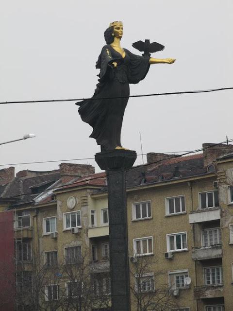 estatua de Sofía, estatua de Bulgaria