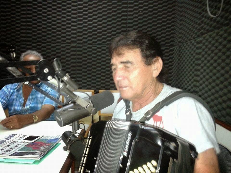 O LIVRO DE CHICO MOLE COM  PARTICIPAÇÃO  DE NONATO CEARENSE  AGUARDEM