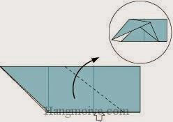 Bước 5: Mở lớp giấy trên cùng ra, kéo và gấp lớp giấy lên phía trên.