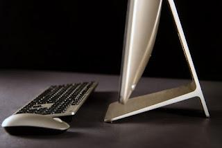 правая грань и подставка моноблока ASUS Zen 240 Pro
