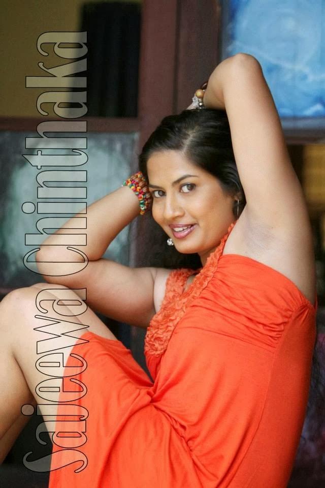 http://charithadeshan.blogspot.com/2014/06/podi-kellanta-gal-kapana-katha.html