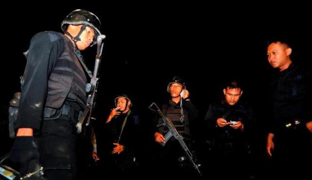 Densus 88 Gerebek Rumah Terduga Teroris di Kemang