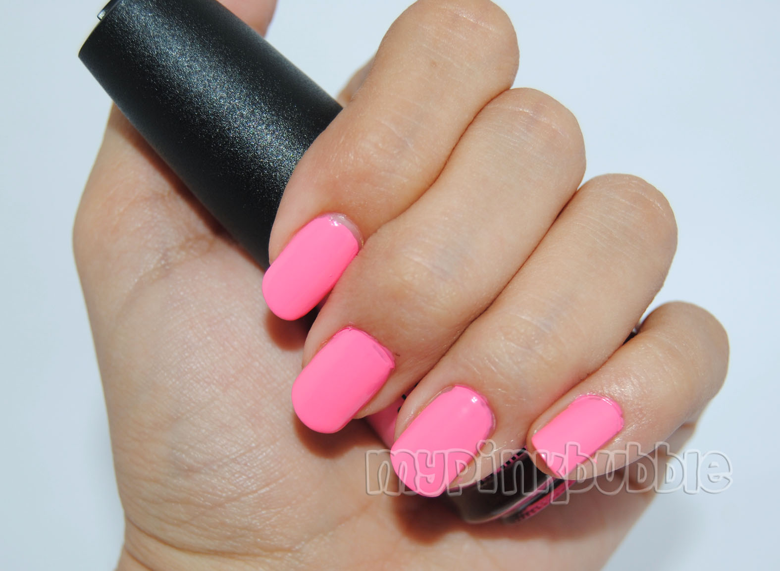 China Glaze Float on swatch cerca