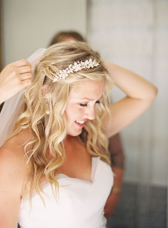 Wedding Hairstyles For Short Hair With Veil And Tiara Wedding Ideas
