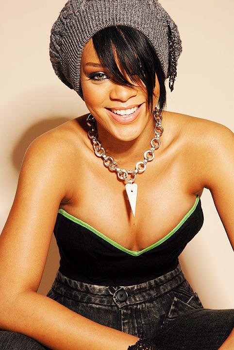rihanna bikini body 2011. Bikini Bodies 2011: Rihanna