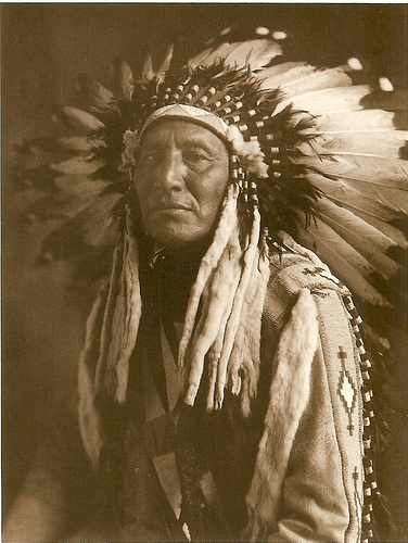 American_Indian_blackfoot_Chief_head_dre