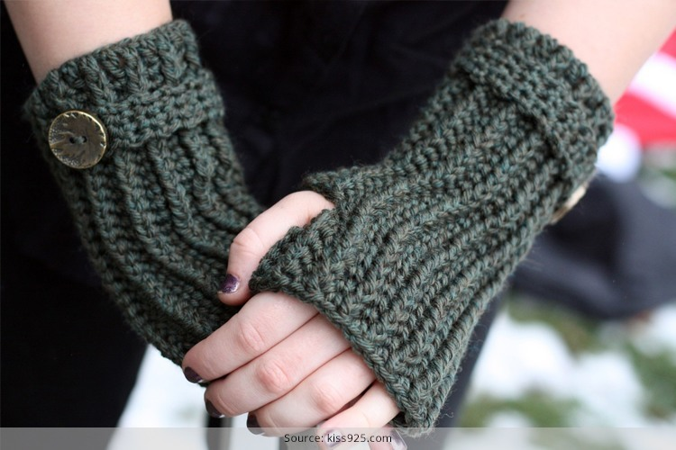 As we all know the season Winter is coming and in this season every lady desires to be looked fashionable and stylish, I think , all, are saying Yeah! Sure, we are talking about woolen, in fact let's focus on your lovely manicured palms and nails, and doll them up with grace, let's wear crochet gloves, shall we? Hang up those Gloves, you should make these designs very little work, as crochet gloves very less cumbersome, than the knitted counterparts as you look at them, many crochet gloves have very large dents on them as big dents are so cool and pretty, crochet gloves are knitted with one needle while all other knitting needs 2 needles, if it can go on with single hook then just one hook is good, crochet knitting do not take too time, in simple it take less time in knitting and you can make design as you need, The ease of making half finger gloves crochet patterns and styles can never be underestimated. Having said that, when you have more gloves crocheted than knitted, the versatility of the piece can be flaunted with almost everything in your wardrobe! it is very easy to DIY and wear as well as, Could you wear knitted gloves back to front? The answer is NO! However, if you are in a hurry to rush to work on a Monday and the air is nippy out there, you could blindly wear those chic crocheted babies and run out. No one would notice, because the adorable designs camouflage the error and create a fashion statement too. Pair them with pretty and chic accessories. Now what you are thinking about crochet gloves with or without fingers, now its upon you to select design and use it.