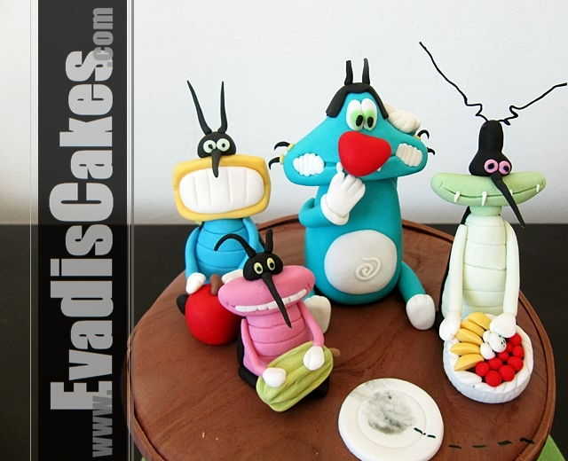 Close view picture of Oggy And The Cockroaches cake