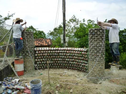 Arquitetura En Botellas Resiclables Construcciones Ecologicas