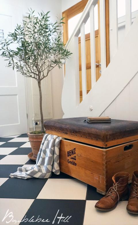 bumblebee hill upcycling no7 turnkasten als aufbewahrungskiste. Black Bedroom Furniture Sets. Home Design Ideas