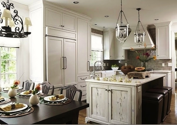 Classic Chic Home: Open Concept Kitchens & Dining Rooms