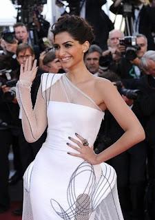 Hot Sonam Kapoor Cannes 2011 Photos, Pics