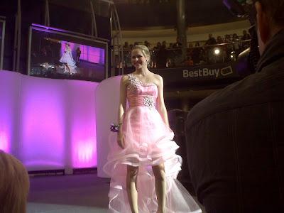 Kendra Berger, Miss Minnesota, pageants in minnesota,  Breanne Maples,  Lani Maples,  Kenn Maples,  Mall of America,  prom dresses,  promopolis
