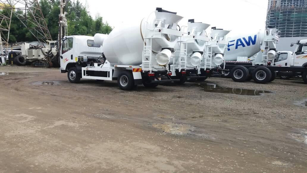 Kami menjual truck mixer baru merk FAW kapasitas 3 M3 dan 7 M3. Silahkan hubungi 0813.4793.3914