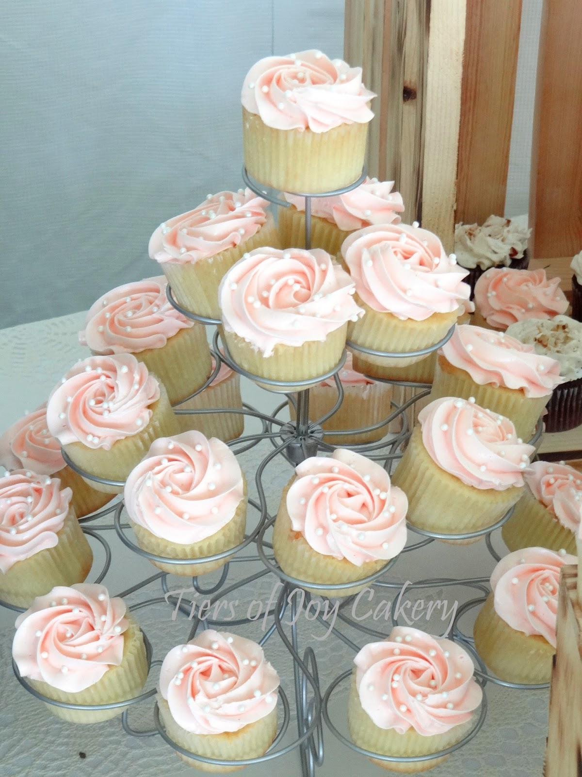 Peach Wedding Cupcakes For A Rustic