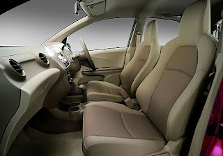 Honda Brio Sedan - Front Seats