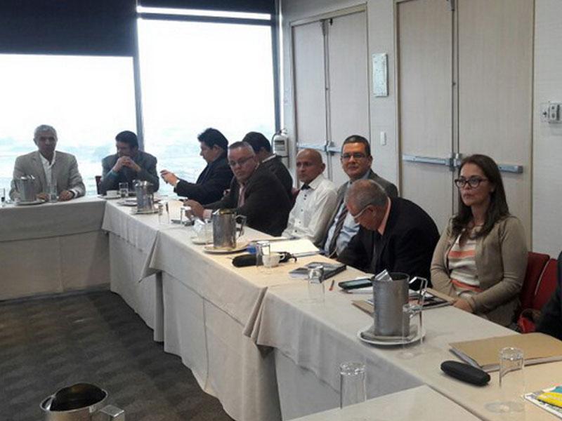 Mesa de trabajadores estatales reclama al Gobierno por incumplimiento del acuerdo anterior