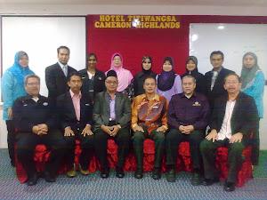 Panel Bengkel Penggubalan Bahan Penilaian Tokoh Nilam Perak 2013
