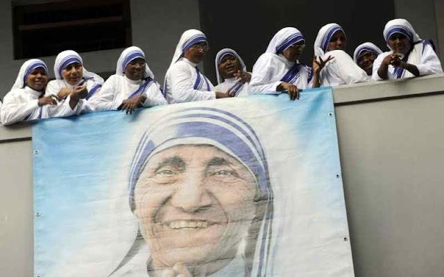 Mẹ Têrêsa được phong thánh