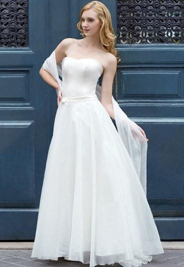 robes de mariage robes de soir e et d coration robes de mari e marie laporte. Black Bedroom Furniture Sets. Home Design Ideas