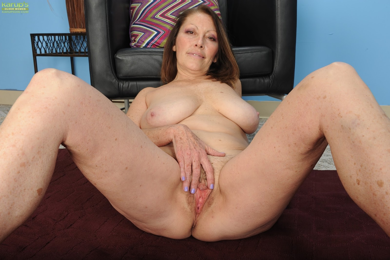 Hot mature porn video