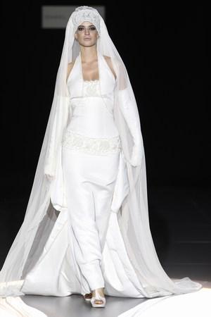 Moda Novias 2011 Isabel Zapardiez