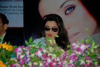 Actress Rani Mukherjee Pictures in Denim Jeans at Mumbai University Felicitation Program  25.JPG